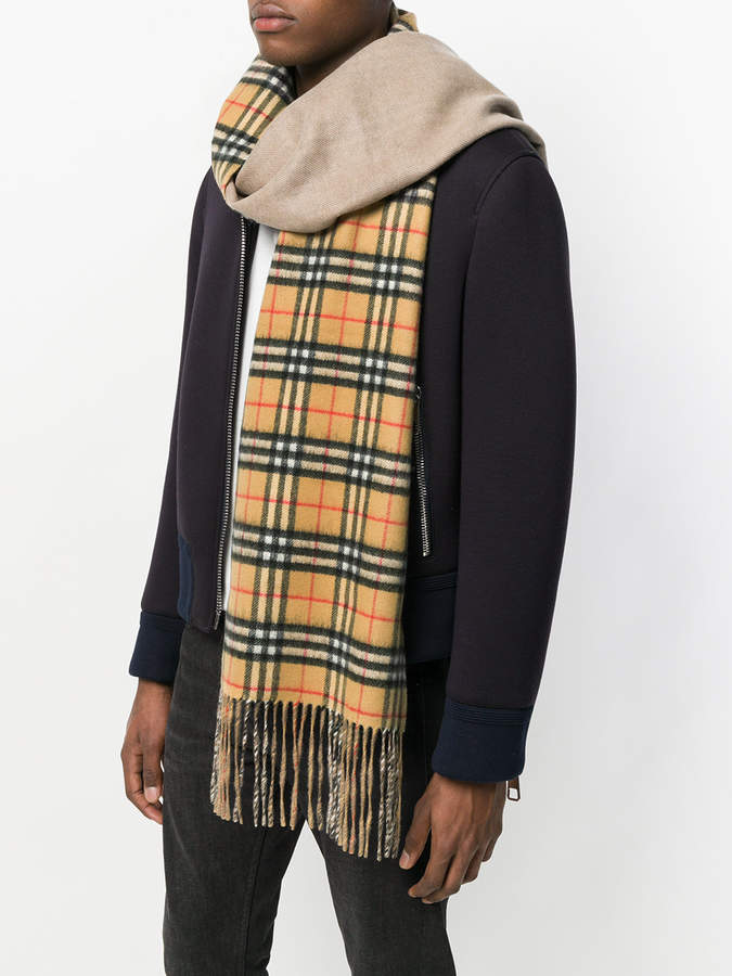 Burberry Long Reversible Vintage Check Double-faced Cashmere scarf