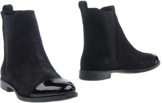 Fiorangelo Ankle boots