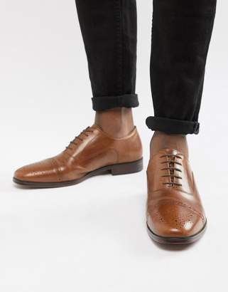 Asos Design Brogue Shoes In Tan Leather With Toe Cap