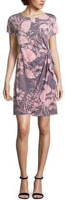 Robbie Bee Short Sleeve Floral Wrap Dress-Petite