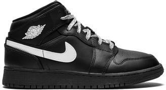 Jordan Air 1 MID BG sneakers