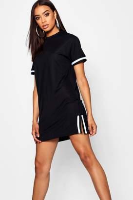 boohoo Contrast Trim Split Side T-Shirt Dress