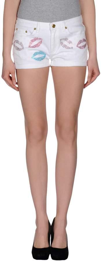 Bea Yuk Mui BEAYUKMUI Denim shorts - Item 42400963