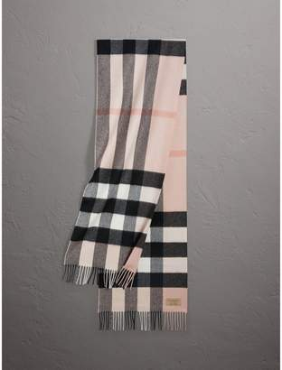 Burberry The Large Classic Cashmere Scarf in Check, Purple
