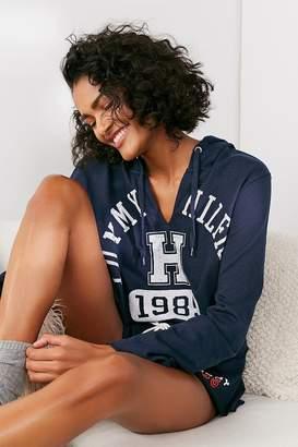 Tommy Hilfiger X UO Cropped Hoodie Sweatshirt