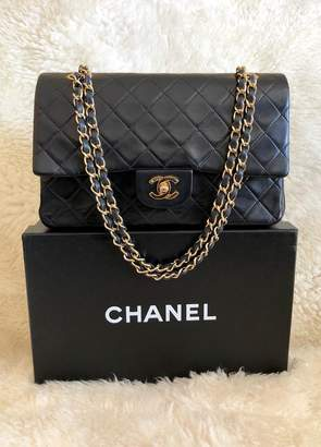 Chanel Classic Double Flap Vintage Medium Quilted Black Lambskin Leather Shoulder Bag