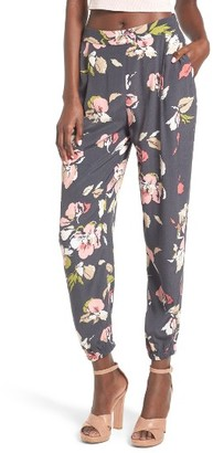 Women's Leith Floral Print Pants $69 thestylecure.com
