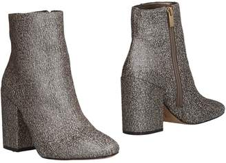 Vince Camuto Ankle boots - Item 11477859TT