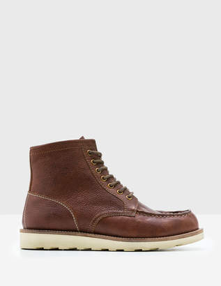 Boden Leather Chukka Boots