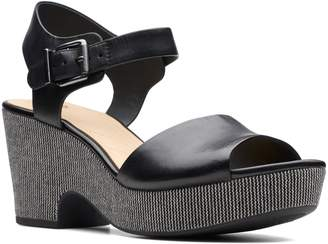 3b9d60a4f7b3 Clarks R) Maritsa Janna Platform Sandal