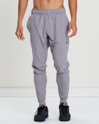 137391dec450 Nike Fit Men s Training Pants - ShopStyle Australia