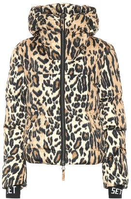 Jet Set Julia leopard padded ski jacket