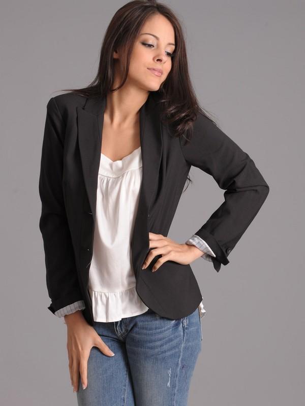 Zoa Classic Cropped Blazer