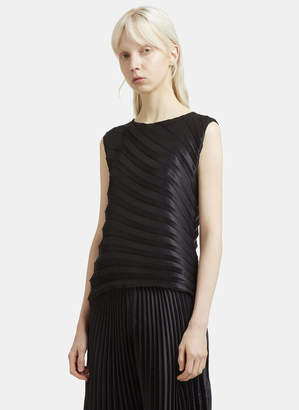 Issey Miyake Sleeveless Radial Pleats Top in Black