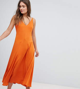 boohoo V-Neck Maxi Dress
