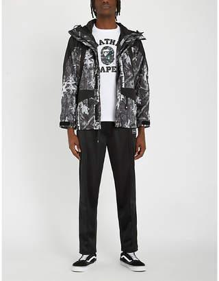 1a7c4e5b206 A Bathing Ape Camo-print snowboarding jacket