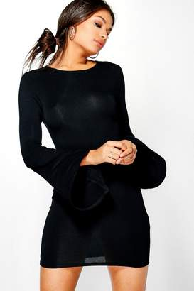 boohoo Daphne Waterfall Sleeve Bodycon Dress