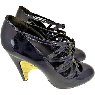 Chanel Navy Patent leather Heels