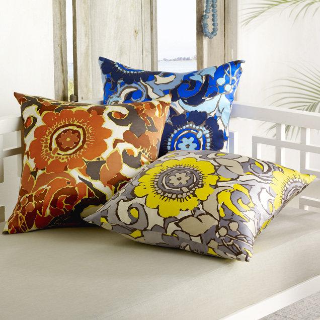 Beach Club Floral Print Pillow Cover