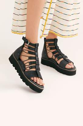 Fp Collection Sunrise Flatform Sandal
