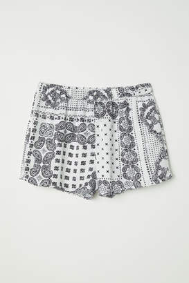 H&M Patterned Viscose Shorts - Beige