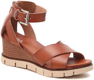 Mia Lauri Wedge Sandal - Women's