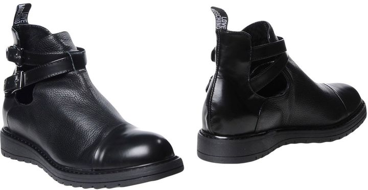 Love MoschinoLOVE MOSCHINO Ankle boots