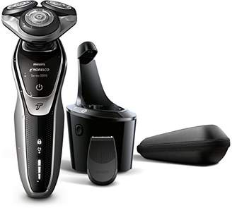 Philips Norelco Electric Shaver 5700 Wet & Dry