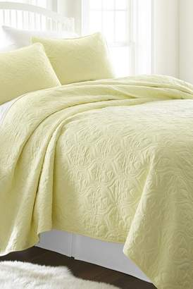 IENJOY HOME Home Spun Premium Ultra Soft Damask Pattern Quilted Twin Coverlet Set - Yellow
