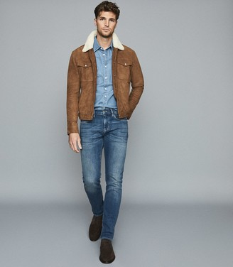 Reiss MILES SUEDE TRUCKER JACKET WITH SHEARLING COLLAR Tobacco