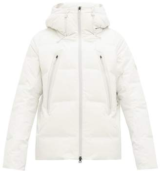 Descente Allterrain - Mountaineer Hooded Down Filled Jacket - Mens - White