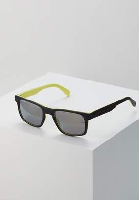 Sunglasses matte black