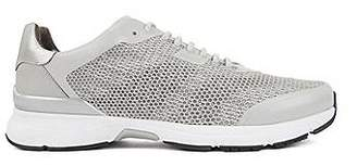 High-performance trainers in open mesh with printed backing