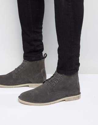 Asos Design DESIGN desert boots in grey suede with leather detail