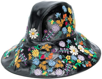 floral-embroidered wide-brim hat
