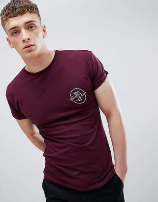 New Look Muscle Fit T-Shirt With East Print In Burgundy