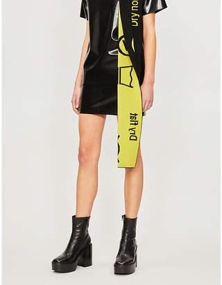 HANGER High-rise latex mini skirt