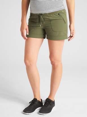 """Gap Maternity GapFit Rec Tech 4"""" Hiking Shorts"""
