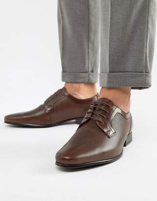 Red Tape Harston Lace Up Shoes In Brown