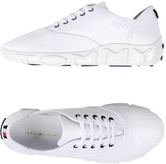 Tommy Hilfiger GIGI HADID x Low-tops & sneakers - Item 11447880BI