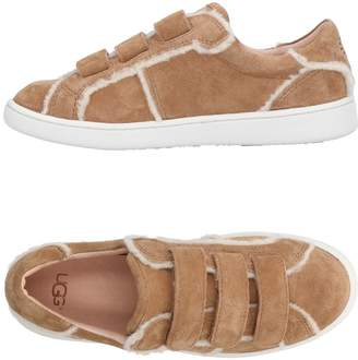 UGG Low-tops & sneakers - Item 11466227AX