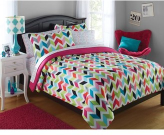 Your Zone Bright Chevron Print Bed in a Bag Bedding Set
