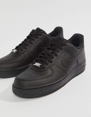 Nike Force 1 '07 Sneakers In Black