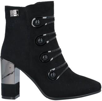 Laura Biagiotti Ankle boots - Item 11708942HA