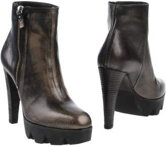 Vic Matié 87 Ankle boots