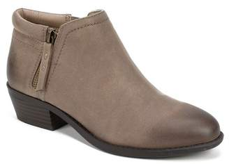White Mountain Footwear Dandy Ankle Bootie