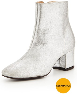Very Metallic Leather Ankle Boot - Silver