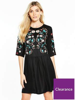 Very Embroidered Body Dress