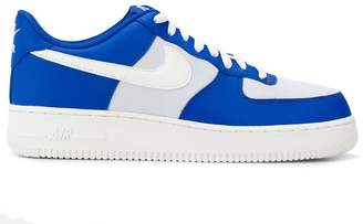 Force 107 sneakers
