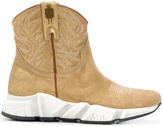 Texas Robot cowboy running boot